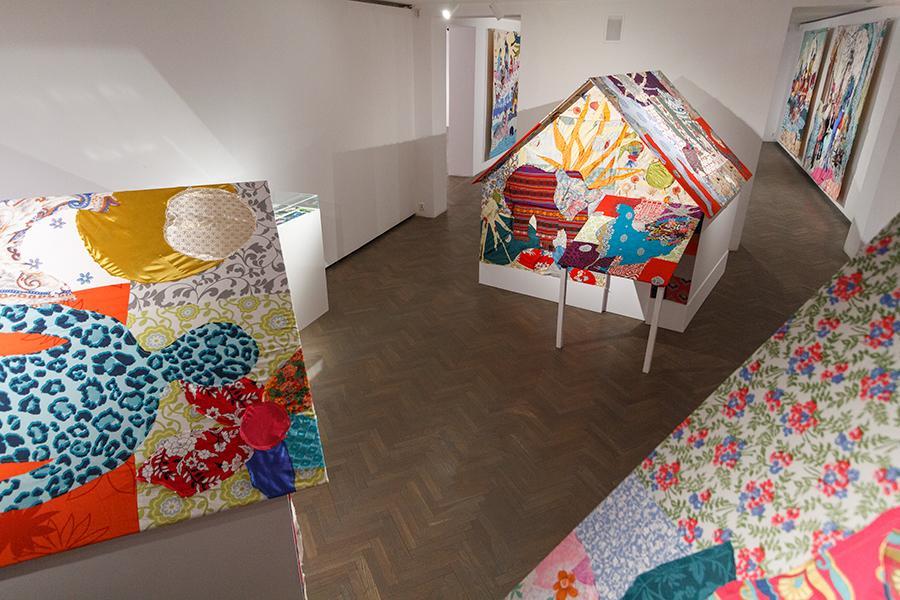 """Małgorzata Mirga-Tas, series """"Wesiune thana"""", 2016–2020, photo Maciej Zaniewski"""