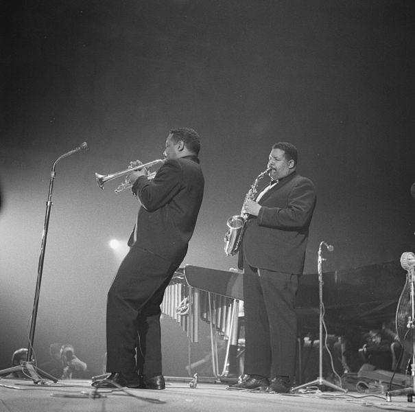 Nat & Julian (Cannonball) Adderley during a night concert, Concertgebouw Amsterdam, Netherlands, 1961. Courtesy: Wikimedia Commons