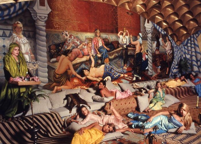 Daniela Rossell,Third World Blondes (Harem Room), 2002. Courtesy: the artist and Museo Jumex, Mexico City