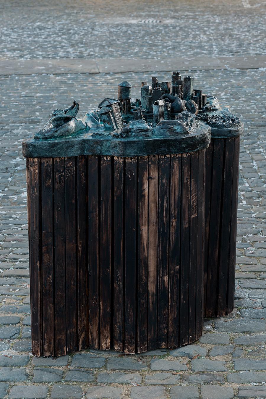 Lena-Henke-City-Lights-(Dead-Horse-Bay)-2016