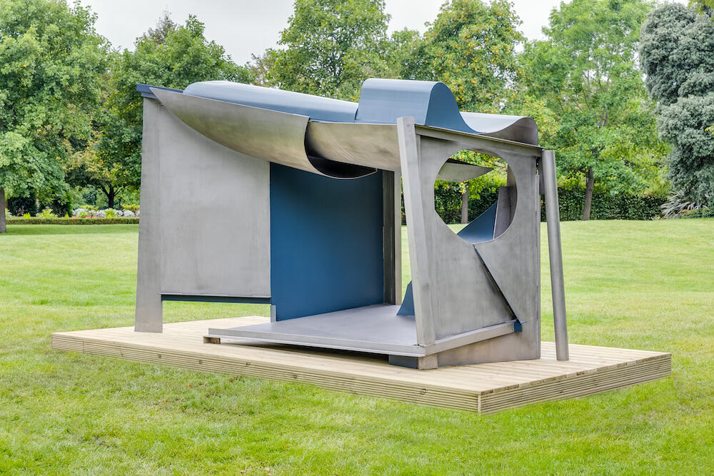 Anthony Caro Palanquin 1987/91 Stainless steel painted 254 x 437 x 218.5 cm / 8ft 4 x 14ft 3 x 7ft 2ins   Image copyright: New Art Centre and The Anthony Caro Centre