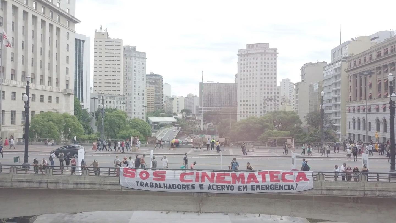 SOS Banner for Cinemateca Brasileira written in Portuguese