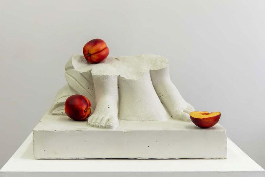 Tony Matelli Feet (Nectarines), 2020 Concrete, polyurethane, stainless steel 33.02 × 31.75 × 45.72 cm