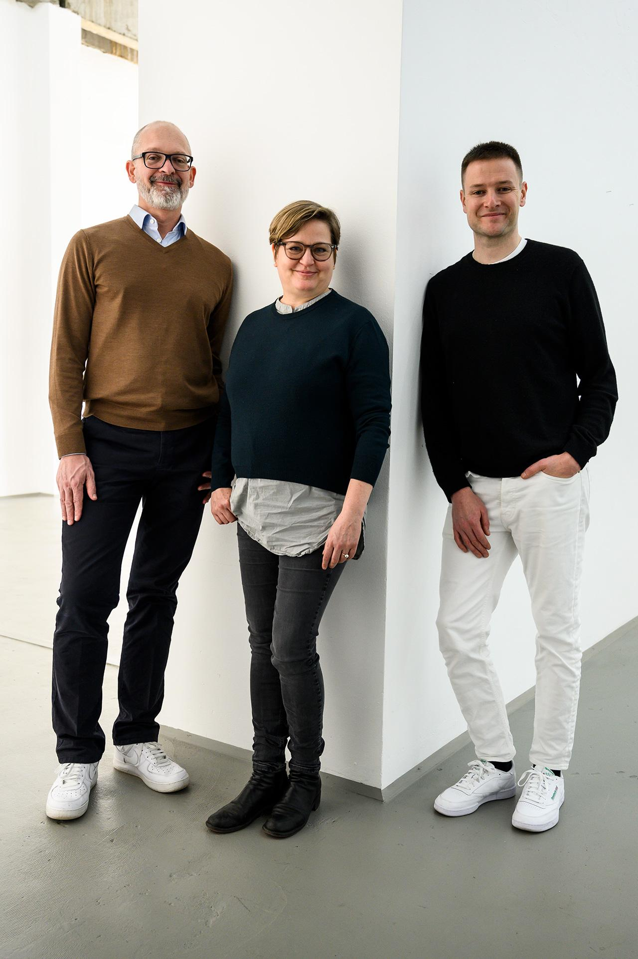Willem-de-Rooij-Angela-Bulloch-Simon-Denny-Portrait-Photo-Piero-Chiussi