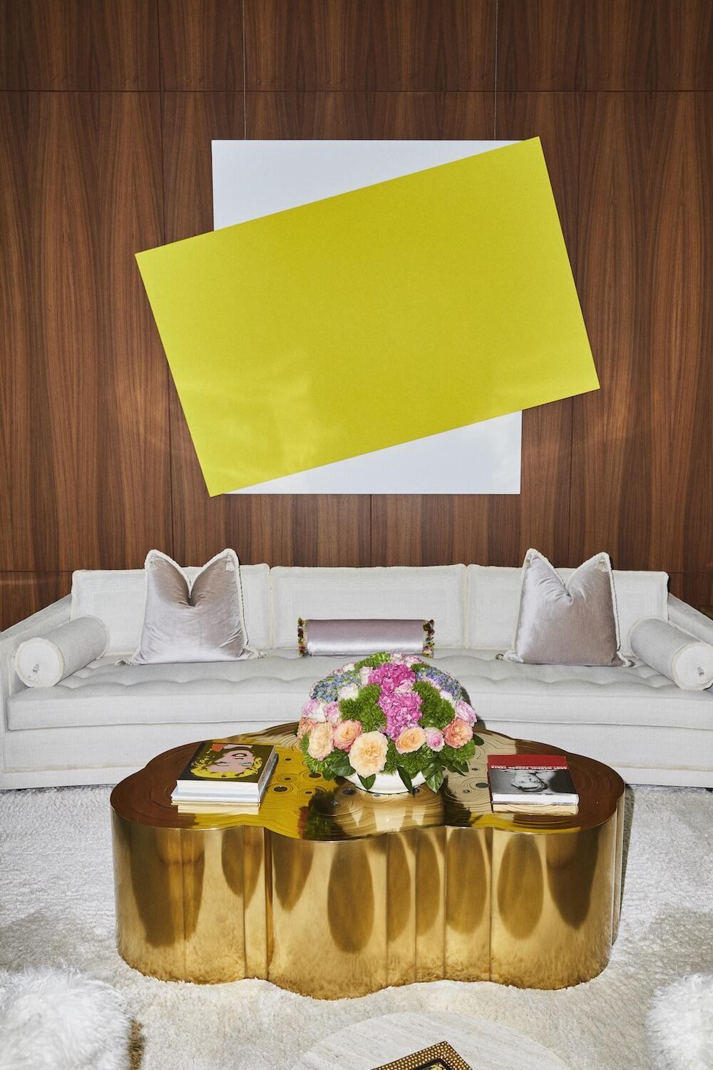 Main living room, with Ellsworth Kelly, Yellow Diagonal, 2008, (on wall).