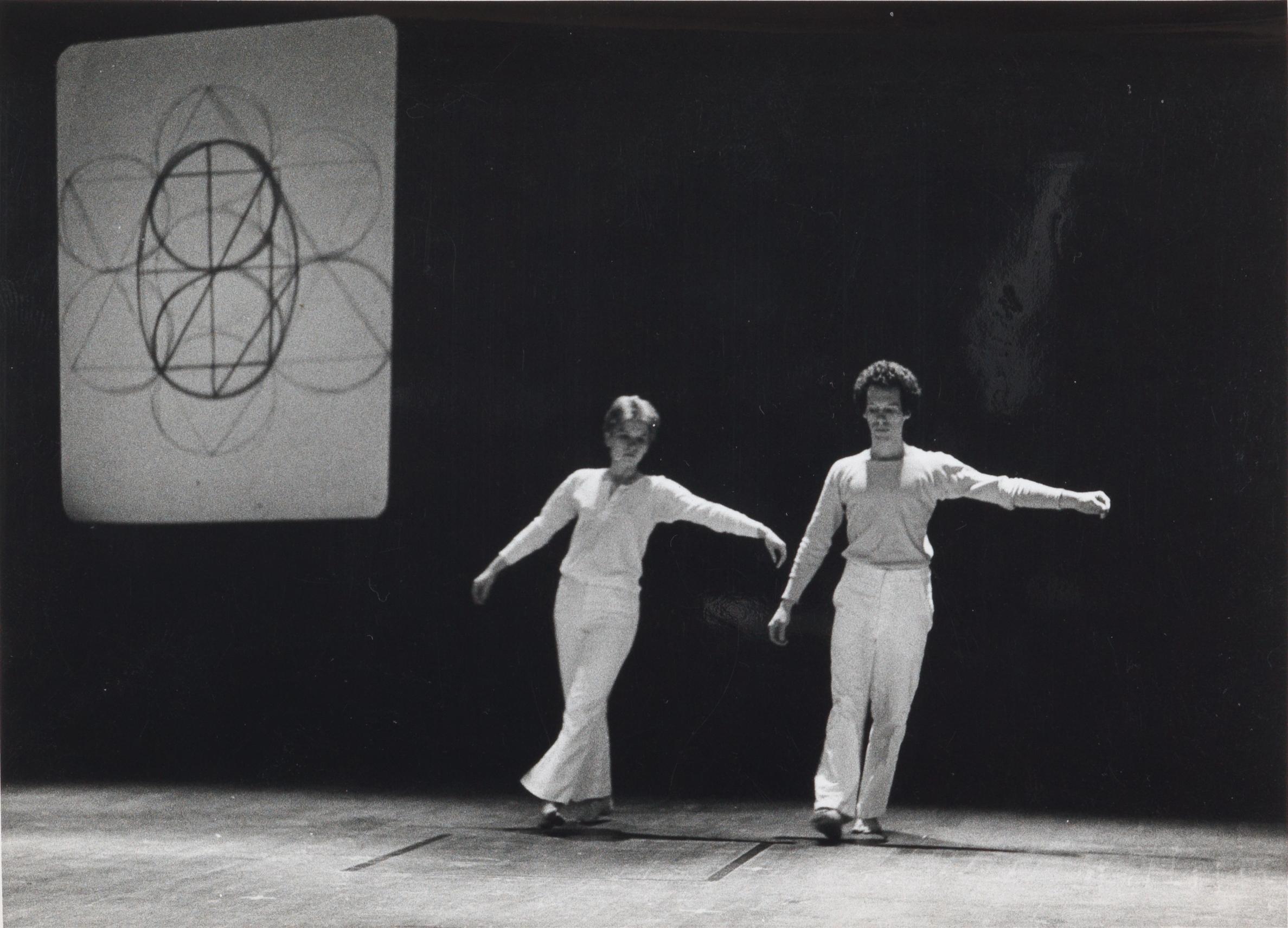 Simone Forti, Zero, 1975.