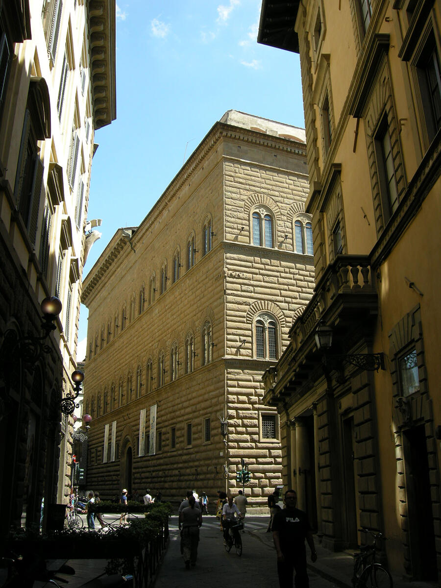 exterior-palazzo-strozzi-florence