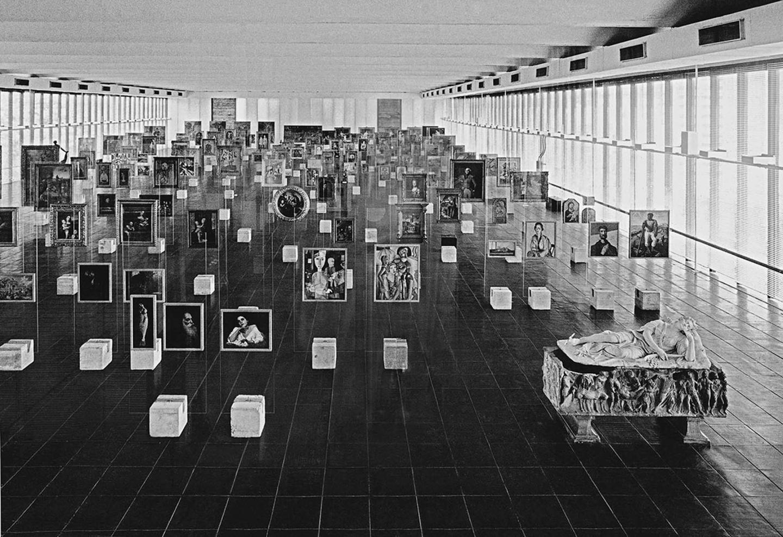 Museu de Arte de São Paulo, c.1970.  Courtesy: Instituto Bardi/ Casa de Vidro; photograph: Paolo Gasparin