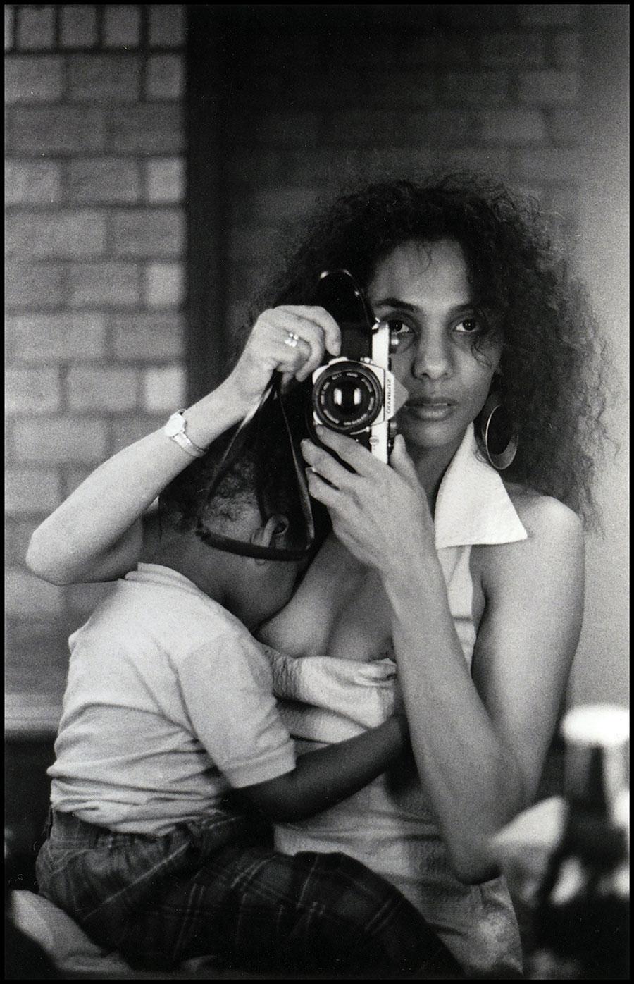 Ming Smith, Self-Portrait (Total), 1986, archival gelatin-silver print, 51×41cm. Courtesy: the artist and Pippy Houldsworth Gallery, London